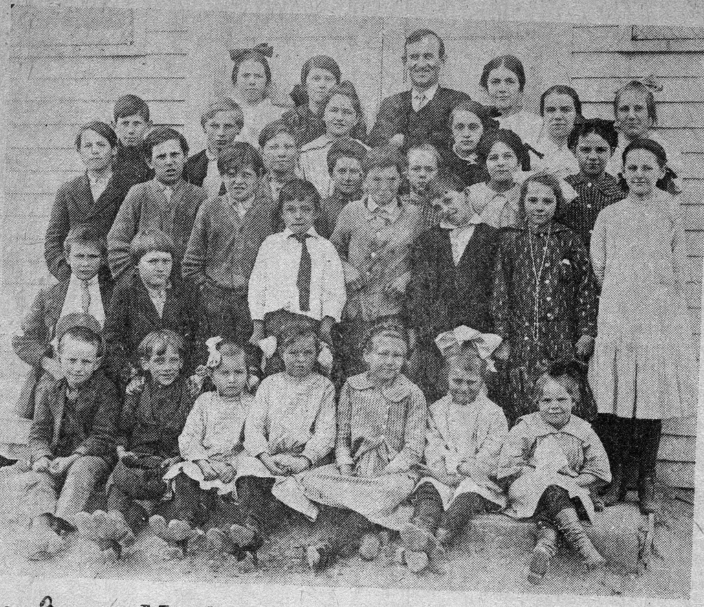 Mt. Sidney School, 1914, Grassy Fork Township - from Doris Lee, 4 3/4 x 3 1/4, bw