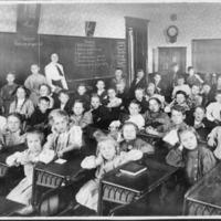 1909 Elsie Cordes 3rd grade - from Elaine Allman, bw 5.25x6.75